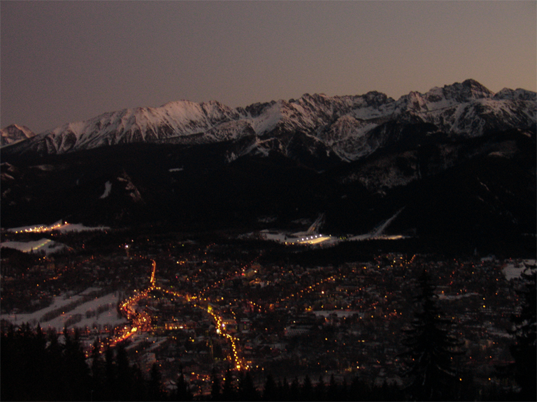 Zakopane_at_night