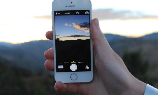 Jak chronić smartfona w podróży?