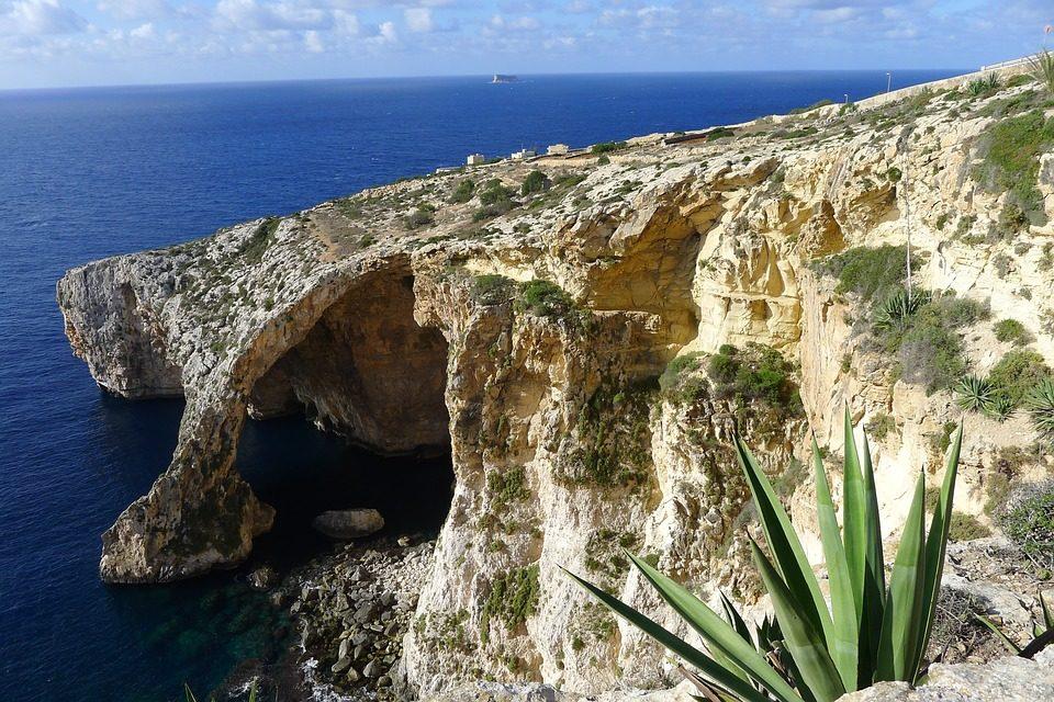 Trzy tysiące słonecznych godzin, czyli turystyka filmowa na Malcie